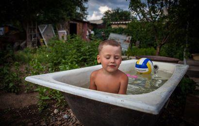 капитан, купание в старой ванне