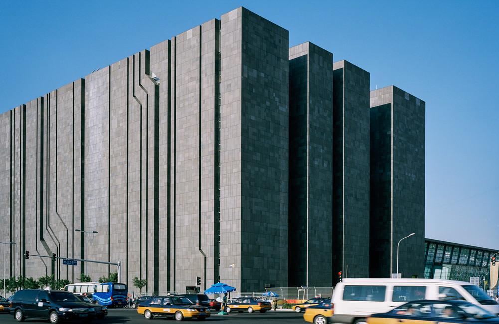 Фасад без окон